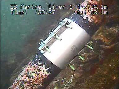 EB_marine_PE_ledning_ror_pipeline_dykker_yrkesdykker_arbeidsdykker_reparasjon_repair_leak_lekkasje_vannledning_trykkledning_muffe_clamp